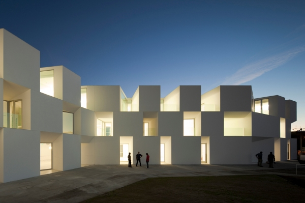 House for Elderly People, Lar de Idosos em Alcácer do Sal, Portugal by AIRES MATEUS Photo © FG+SG