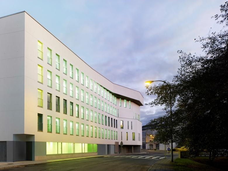 Alojamientos para jóvenes y mayores y Centro de Día, La Coruña (E) - Abalo Alonso - not selected
