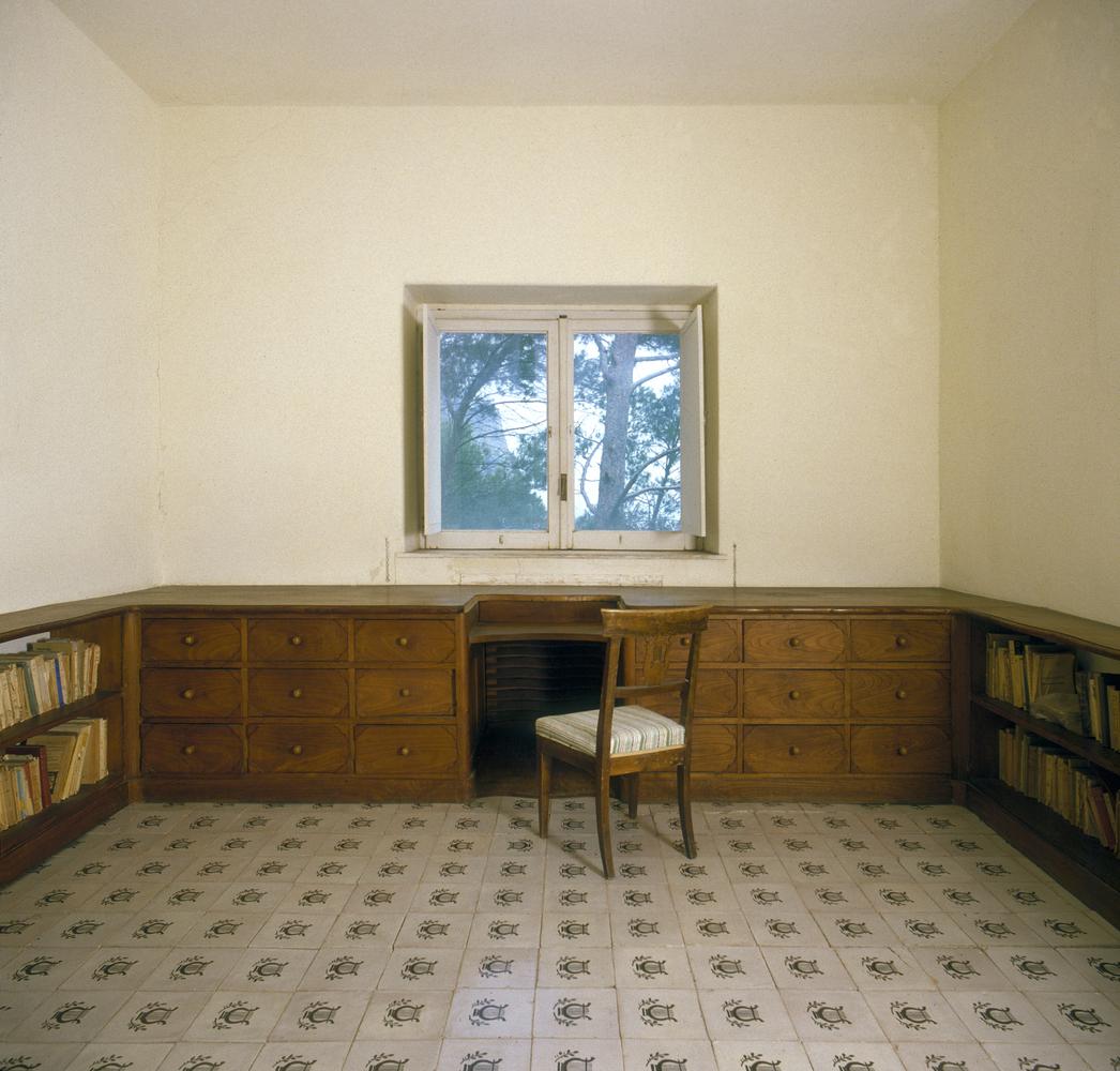Casa malaparte well designed and built for Interni casa